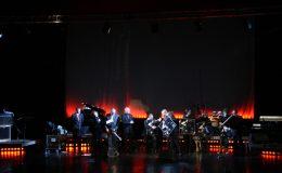 koncert_-_wrczenie_platynowej_pyty_marcinowi_wyrostkowi_20110422_1365019171