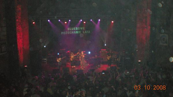 Koncert Dżem w ruinach teatru w Gliwicach