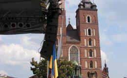 rynek_w_krakowie_-_10_dniowy_festiwal_polsko_-ukraiski_20110422_1457501362